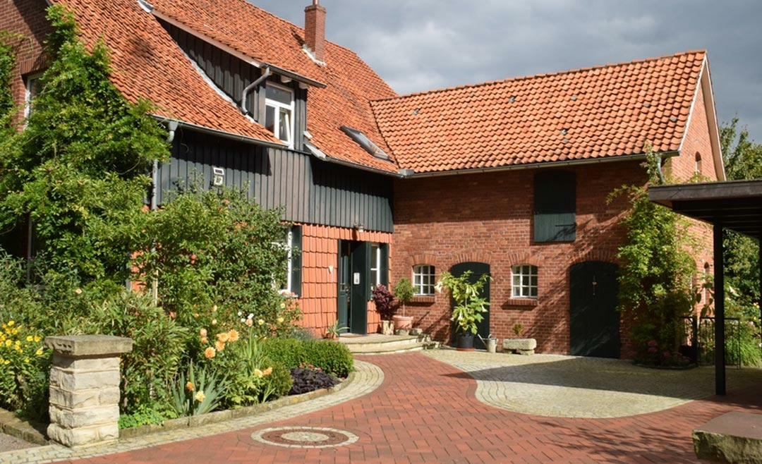 Landhaus kaufen: Preise, Nebenkosten, Vor- & Nachteile, Tipps