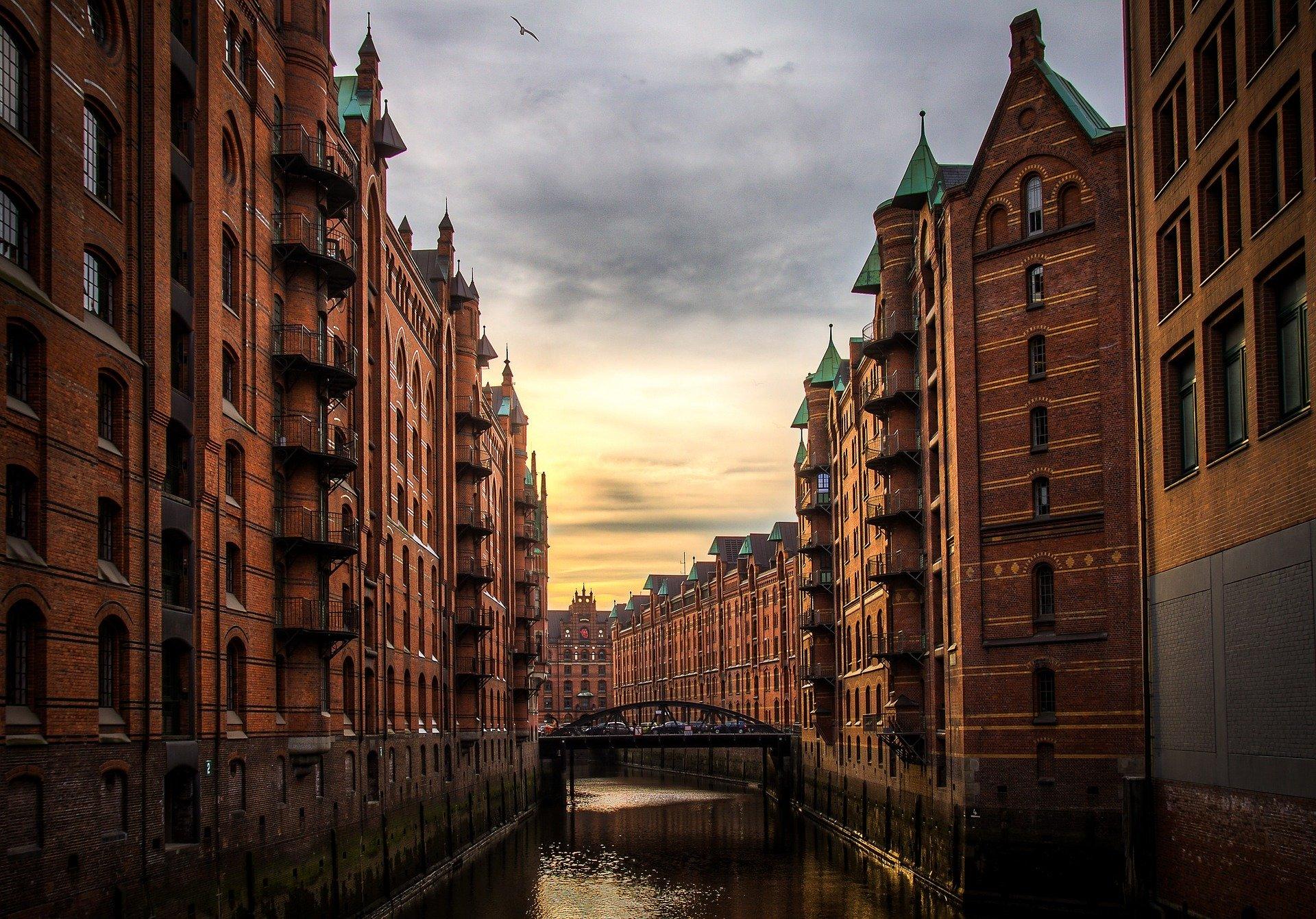 Einwohner, Immobilienbewertung und Kapital anlegen in Hamburg Alsterdorf