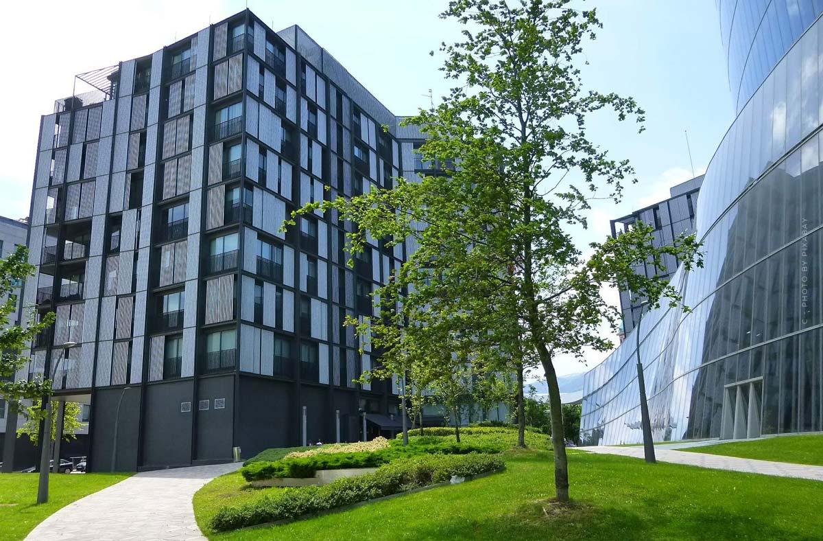 Immobilien- & Facility Management Studium: Gebäudemanagement, Studienkosten, Dauer und mehr