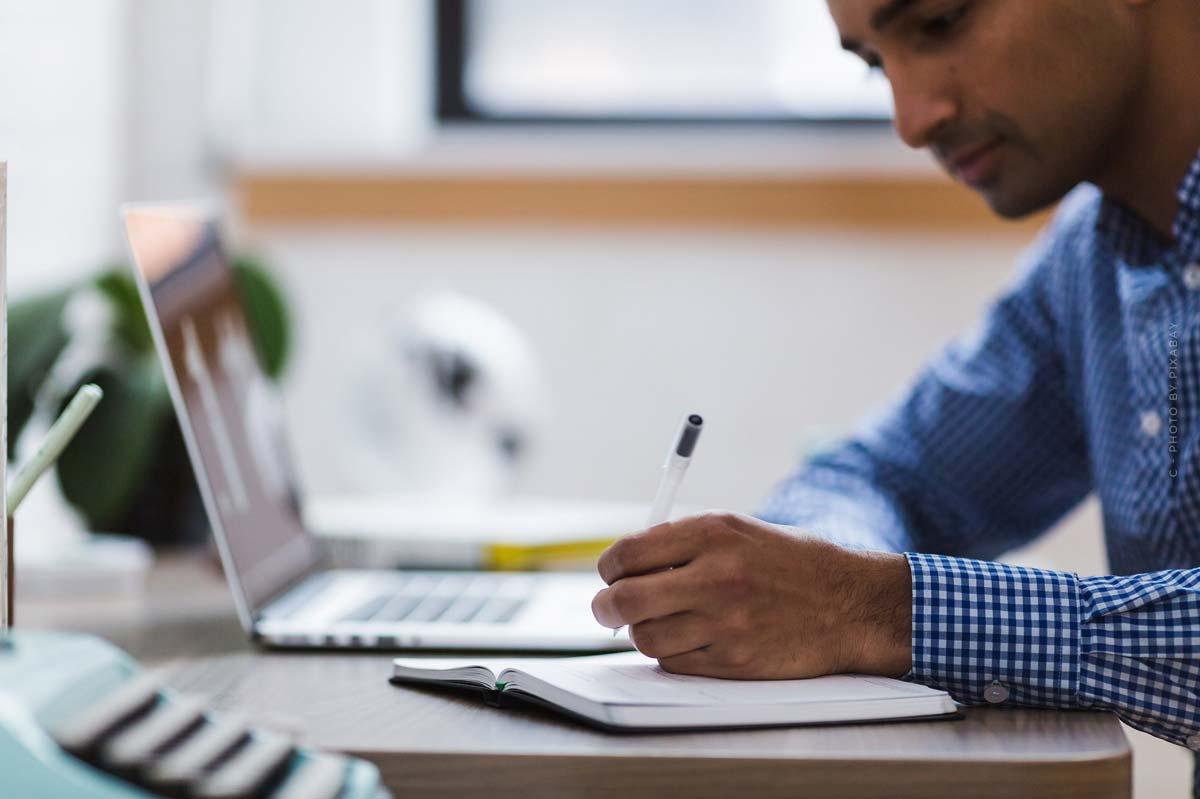 Immobilienwirtschaft Studium: Inhalte, Standorte, Bachelor, Master & Berufschancen - Überblick